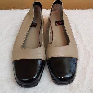 Aerosols tan & black patent leather flats size 9.5